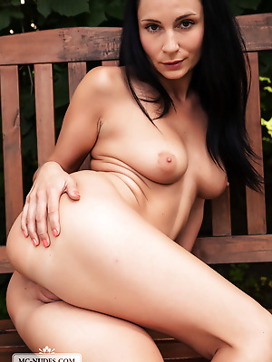 MC-Nudes  Kat  Boobs, Breasts, Tits, Erotic, Softcore, Legs, Outdoor, Solo