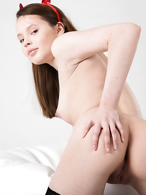 Showy Beauty  Rosi  Erotic, Softcore, Solo, Ass, Naughty